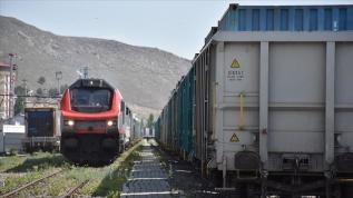 Bakü-Tiflis-Kars demir yolu ile taşınan yük hacmi arttı