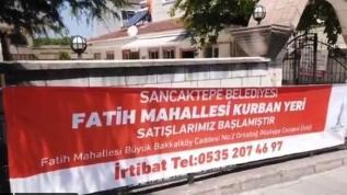 CHP'li İBB Sancaktepe'de kurban kesim alanı pankartlarını topladı
