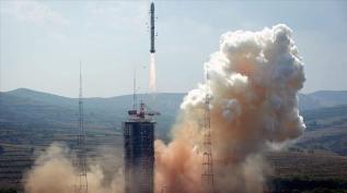 Çin uzaya uydu gönderdi
