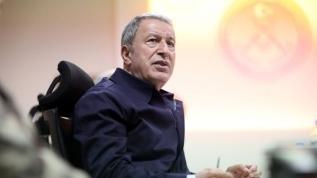 Libya'da temaslarda bulunan Bakan Akar'dan Fransa'ya büyük rest: Derhal özür dileyin