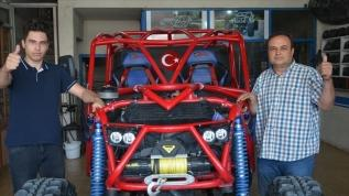 Yarışlara katılabilmek için kendi off-road aracını yaptı