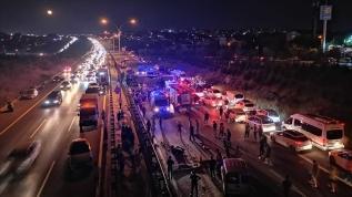 Yolcu otobüsü devrildi: 1 ölü, 17 yaralı