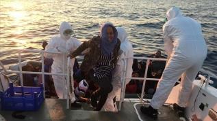 İzmir'de Türk kara sularına geri itilen 65 sığınmacı kurtarıldı