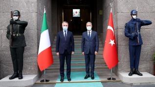 Milli Savunma Bakanı Akar İtalyan mevkidaşı Guerini ile bir araya geldi