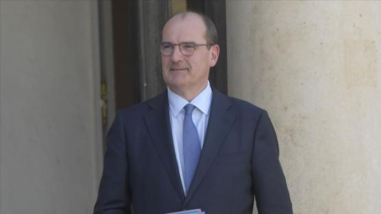 Tecavüzle suçlanan İçişleri Bakanı Darmanin'i savundu