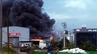 Gebze'de fabrika yangın