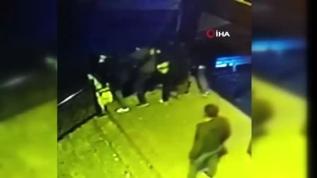 İstanbul'da cami avlusunda dehşet anları kamerada