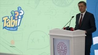 Ziya Öğretmen ortaokul öğrencileri için 'Tabii' uygulamasını tanıttı