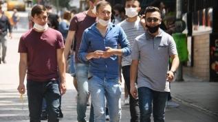 Sağlık Bakanı Fahrettin Koca'dan fotoğraflı maske uyarısı