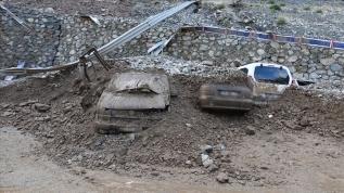 Artvin'deki selde kaybolan 3 kişinin cansız bedenine ulaşıldı!