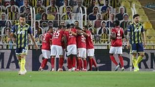 Fenerbahçe, Kadıköy'de Sivasspor'u geçemedi