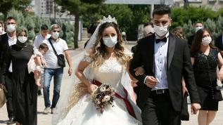 Sağlık Bakanlığı kimlerin bez maske takmaması gerektiğini açıkladı