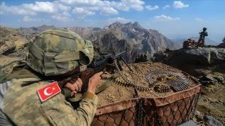 4 PKK'lı terörist Silopi'de teslim oldu