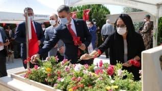 15 Temmuz şehitleri Gölbaşı'nda mezarları başında anıldı