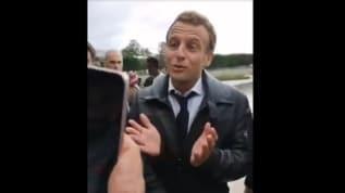 Macron'un zor anları! Protestocular etrafını sardı ne diyeceğini bilemedi