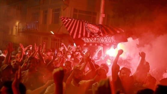 Fatih Karagümrük'te 36 yıl sonra Süper Lig'e yükselmenin sevinci