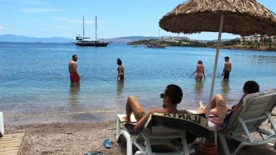 Bakan Koca tatilcileri uyardı! Tatilde dikkatli olalım