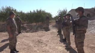 Suriye'de görevli Mehmetçik Kurban Bayramı'nı elleri tetikte kutladı