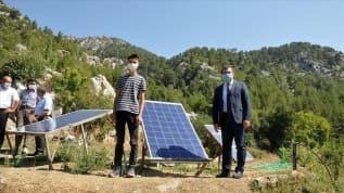 TÜBİTAK Başkanı Mandal'dan evinin elektriğini üreten öğrenciye ziyaret