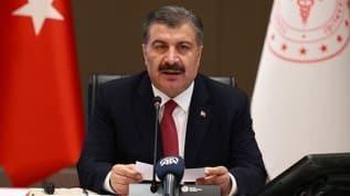 Bakan Koca: Türkiye'de virüsü yenen hasta sayısı 220 bine yaklaştı