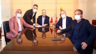 Galatasaray transferi resmen açıkladı! Arda Turan Galatasaray'da