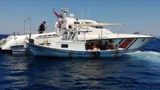 İzmir'de Türk karasularına geri itilen 82 sığınmacı kurtarıldı