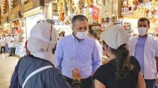 Vali Yerlikaya Mısır Çarşısı'ndaki denetimlere katıldı