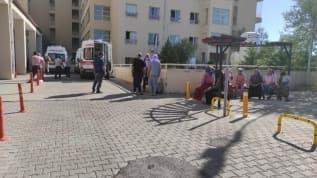Tarım işçilerini taşıyan minibüsün devrilmesi sonucu 20 kişi yaralandı