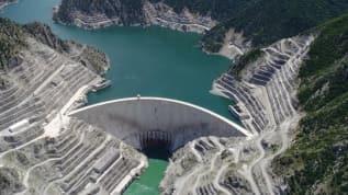 Artvin Çoruh Nehri üzerindeki Deriner Barajı ve HES ekonomimize katkı sunmaya devam ediyor