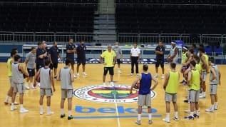 Fenerbahçe'de Kokoskov mesaiye başladı