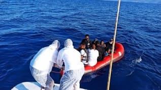 Yunan'ın geri ittiği sığınmacıları Türkiye kurtardı