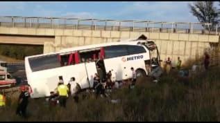 İstanbul'da yolcu otobüsü yoldan çıktı: Ölü ve yaralılar var