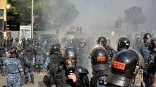 Lübnan'ın başkenti Beyrut'ta protestoculara güvenlik güçlerinden müdahale