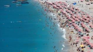 Antalya Valisi Ersin Yazıcı: Antalya'ya iki günde yaklaşık 40 bin Rus turist geldi