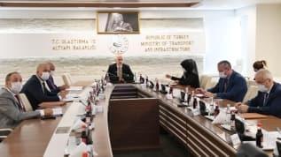 Bakan Karaismailoğlu, İranlı mevkidaşı Mohammad Eslami ile görüştü
