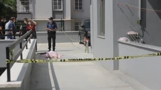 İnsanlık ölmüş! Yaşlı adam 13 kattan düşüp hayatını kaybetti, komşular kahve içip seyretti
