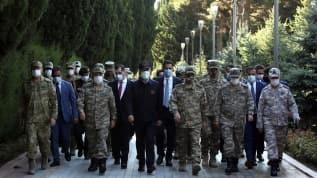 Bakan Akar ve Kuvvet Komutanları Azerbaycan'da şehitlik ziyaretinde bulundu