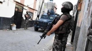 İstanbul merkezli 3 ilde gerçekleştirilen terör operasyonunda 12 kişi gözaltına alındı