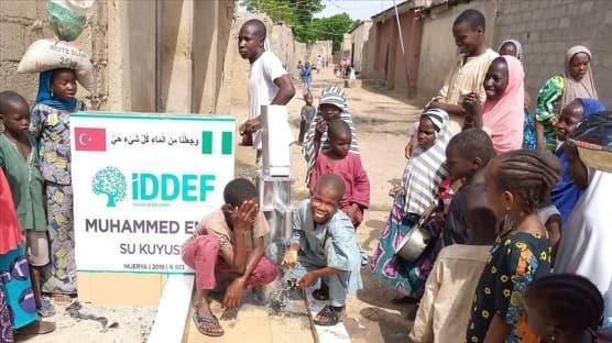 İDDEF, Nijerya'da insani yardım çalışmaları kapsamında 132 su kuyusu açtı