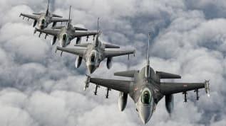 Oruç Reis'e özel koruma! Türkiye'nin Doğu Akdeniz'deki haklarını gasp etmeye çalışanlara havadan gözdağı