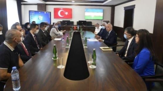 Türk doktorlar salgınla mücadele kapsamında Özbekistan'da