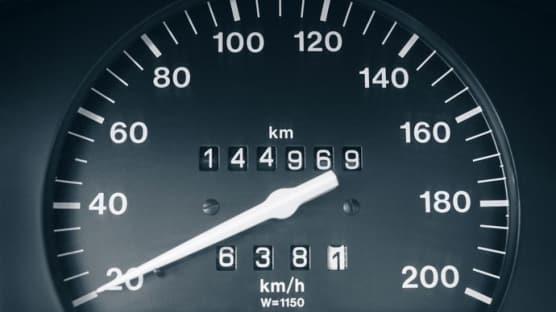 İkinci el araç alacaklar dikkat! Kilometredeki 'Mil' oyuna gelmeyin...