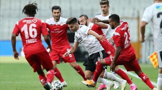 Beşiktaş, evinde Antalyaspor ile berabere kaldı