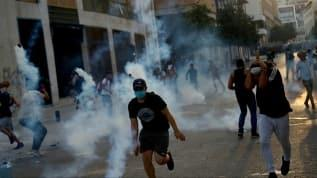 Lübnan'da yasa dışı silahlara el konulması talebiyle gösteri düzenlendi