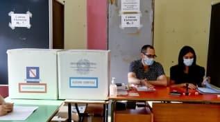 İtalya'da halk, anayasa referandumu için sandık başında