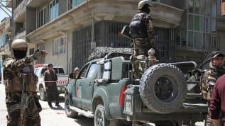 Afganistan'nın Taliban saldırılarısında 11 kişi ölü  ele geçirildi