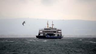 Gökçeada'da bazı feribot seferlerine 'fırtına' engeli