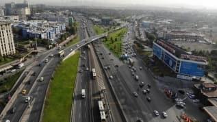 İstanbul Valiliği'nce alınan kademeli mesai uygulaması İstanbul'da trafiğe de nefes aldırdı