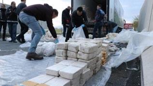 Hakkari'de zehir tacirlerine darbe! 32 kilo eroin ele geçirildi