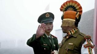 Hindistan, sınırda kaybolan Çin askerini teslim etti